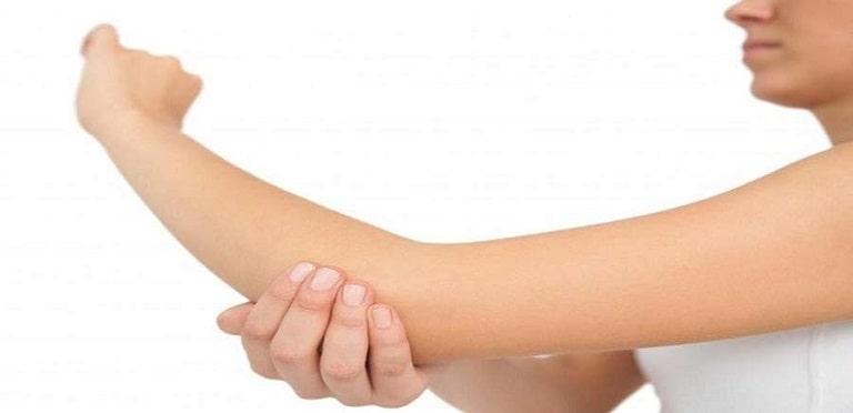 دررفتگی-مفصل-آرنج-دست-min.jpg