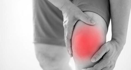 درمان پارگی و کشیدگی رباط های زانو بدون جراحی-min