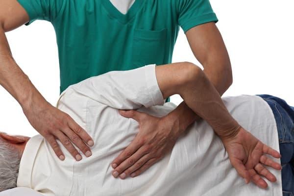 کمردرد و درمان دستی