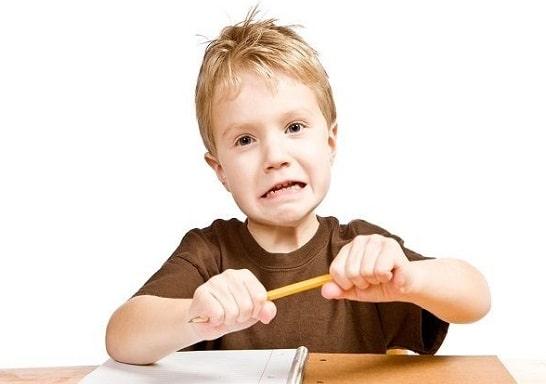 کودک-مبتلا-به-اوتیسم-چیست-min.jpg