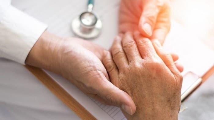 علائم و نشانهها بیماری پارکینسون