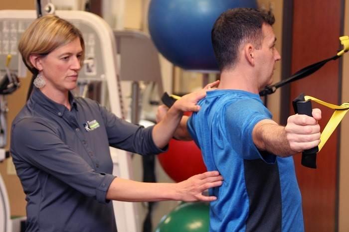 ورزش جهت افزایش دامنه حرکتی و قدرت شانهها